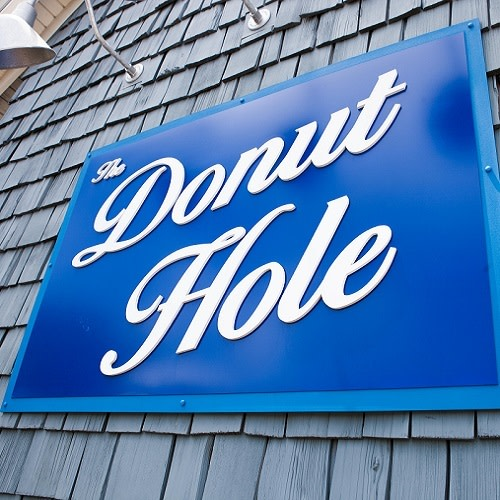 The Donut Hole logo.